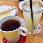 パスタール - H28.10.16 セットドリンク グレープフルーツジュース&ホットウーロン茶