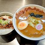 大阪大勝軒 - チャーシューらーめんとミニチャーシュー丼