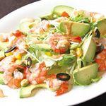 DINING 蔵RA - 海老とアボカドのエスニック風サラダ