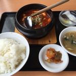 中国料理 東昇餃子楼 - 麻婆豆腐定食600円