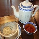 57699841 - 食後のジャスミン茶・ごま団子