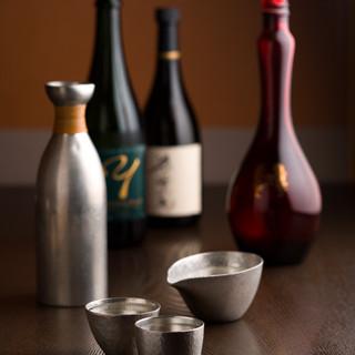 全国から錫の酒器を集めました。贅沢な味わいをぜひ!