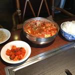 炭火焼肉・韓国料理 ハンアリ -