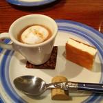 57700691 - マッシュルームのカプチーノ仕立てとリコッタチーズ