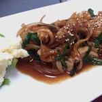 焼肉群山 - 料理写真:ピリ辛ホルモン焼き定食600円
