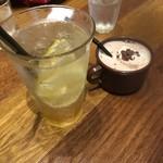 ジェイエスパンケーキカフェ マークイズみなとみらい店 - 自家製レモネードとココア(キッズサイズ)