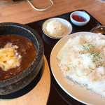 キネマ館 - 石焼チーズカレー(650円)