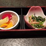本家あべや - お通し〜野菜をアンチョビソースで               油揚げと菜っ葉の炒め物
