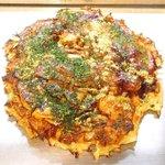 57714599 - ミックス焼 1250円 の海老、タコ、イカ、豚、ちくわ、蒟蒻