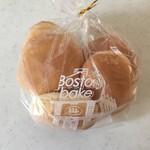 ボストンベイク - ロールパン、195円です。
