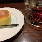 星乃珈琲店 - 星乃ブレンドティーとチーズスフレ