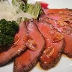 南洲 - その他写真:お魚処の南洲ですが、お肉料理も充実しております。特製ローストビーフは人気商品です。