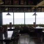 マリブハウス - 窓が大きく海が一望できるロケーション!