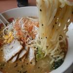 幸楽苑 - 胡麻味噌叉焼麺リフト