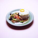 鶏肉の生姜炒めのせごはん ★ ガイ・パッ・キン・ラーカオ
