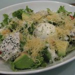 ハニーキックス - 黒ゴマチーズとアボガドのシーザーサラダ