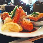 イタダキ - 日替わりランチ の ミックスフライ