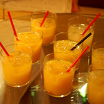 chano-ma - 参加者の子供たち用にオレンジジュースが。