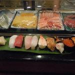 おかざき寿司 - 上にぎり、赤出汁付きです。