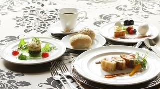 ヴィーナスコート - メインお魚コース料理