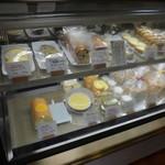 たまご色のケーキ屋さん - 店内
