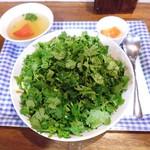 中華 深せん - ラム肉とパクチーの炒め飯¥1000