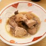 串と煮込み 門限やぶり - 塩もつ煮込み (620円)