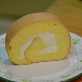 たまご色のケーキ屋さん - 料理写真:ロールケーキ