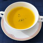 ヴェルデ ロッソ - シェフおすすめランチの本日のスープ