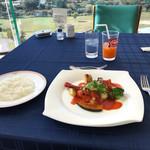 ヴェルデ ロッソ - シェフおすすめランチの魚料理とライス