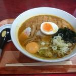 キッチンひろ - 2016年9月 スパイシーカツラーメン+生卵 1030+50円