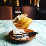 57764671 - 焼きリンゴのミニパフェ