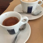 イタリア食堂ディエーチ - エスプレッソとカプチーノ