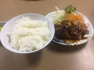 こがね食堂 - Oct2016 鶏肉350円+中ごはん150円