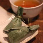 福の花 - お茶、チマキ