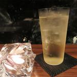 アテンポ - フリードリンクプラン。フツーの飲み放題と違って、 ビールにしてもカクテルにしても、バーレベルのものを頂けることです。
