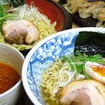麺酒場 框 - こだわりの自家製麺によるラーメンとつけ麺