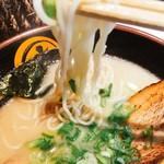 あかつき - 麺は好みのツルシコ麺