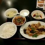 リトル成都 - 【日替わりランチ】豚肉とキクラゲの玉子炒め:800円+ミニ麻婆豆腐:100円