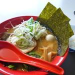 仙台とんこつラーメン 一番堂 - 味噌ラーメン(780円)(※麺少なめにしてもらいました。ラーメンライスの為に!!) キャベツやもやしも入ってます。スープがクリーミーで美味しいです