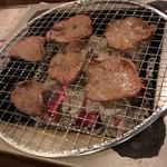 七輪焼肉 安安 - 牛タン塩(490円)