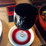 肉バル銀次郎 - がぶ飲みこぼれワイン赤♪