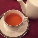 メインダイニングルーム 三笠 - 食後の紅茶