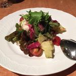 トラットリアヴィアーレ - ジャガイモとタコのサラダ