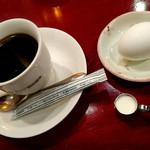 ダイヤモンド珈琲 - ホットコーヒー380円 ゆでたまごつき
