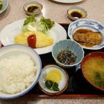 食堂 いちばん - 豪華な日替わり定食