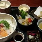 一楽 - 料理写真:海鮮丼と季節の天婦羅御膳 (イクラぬき)