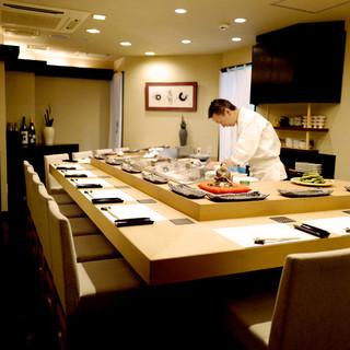 「鮨」と「おもてなし」で最高の食空間を。