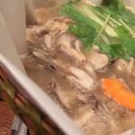 イベリコ屋 - イベリコ屋 六本木店(東京都港区六本木)イベリコ豚のコラーゲンしゃぶしゃぶ鍋