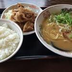 やまいし - 豚のしょうが焼きラーメン定食(680円)